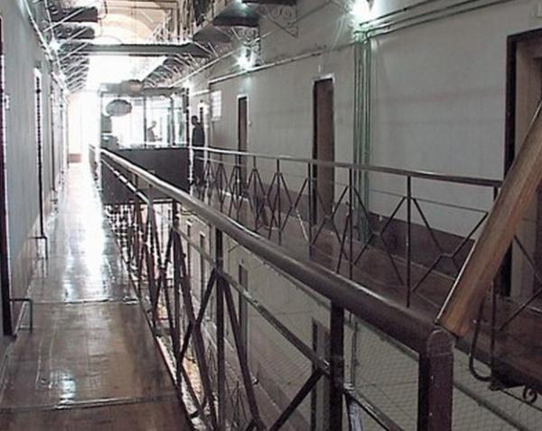 zatvor 1