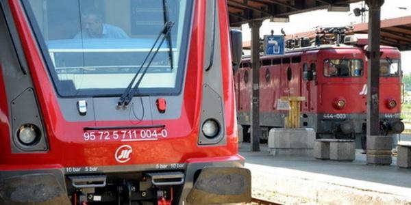 vozovi-zeleznica-ruski-voz