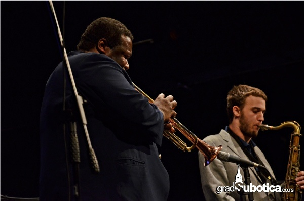 Jazzik-2013-10