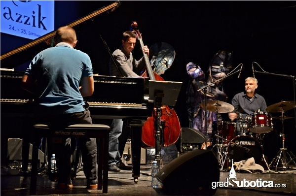Jazzik-2013-7