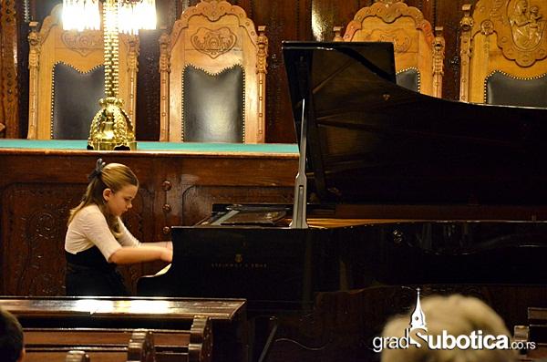Velika vecnica - pijanisti (1)