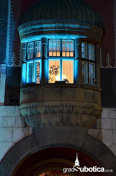 Gradska kuca - plava (5)