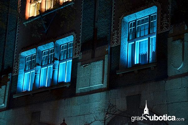 Gradska kuca - plava (6)