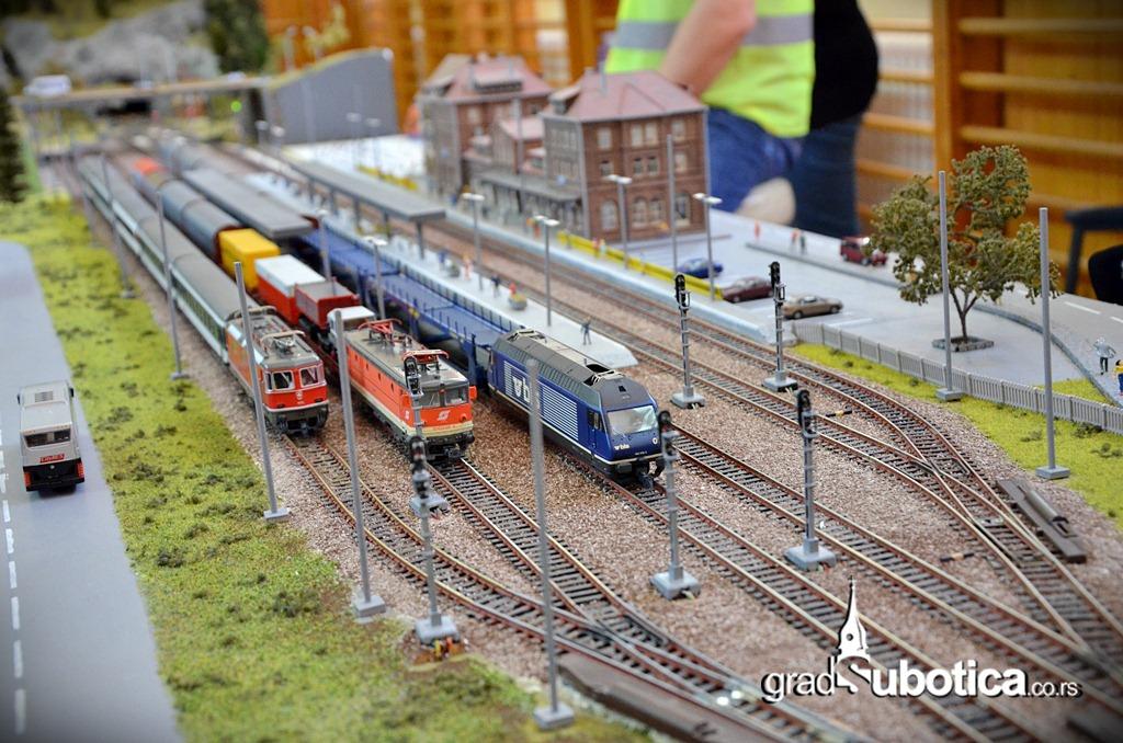 Makete vozovi zeleznica (10)