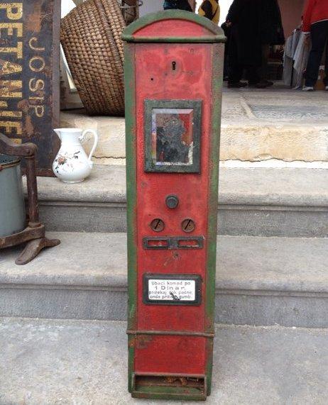 automat-bombone-slika-12437256 (1)