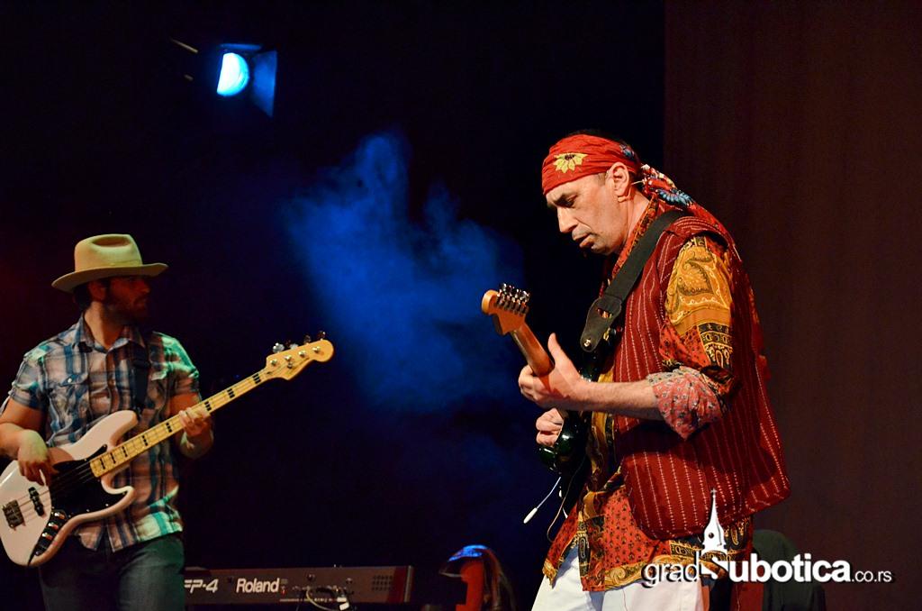Scena Jadran - Jimi Hedrix tribute band (14)