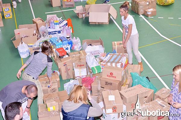 Tehnicka skola humanitarna pomoc poplave (6)