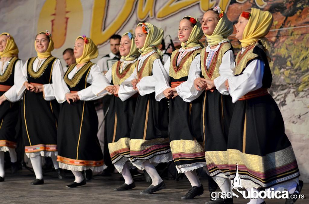 Duzijanca 2014 -  deciji folklor(41)
