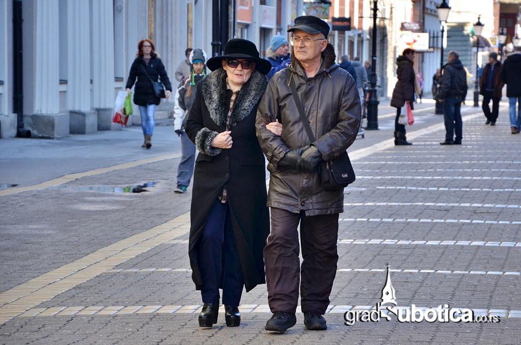 Stari ljudi penzioneri subotica-2